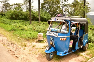 Tuk tuk in the hill country