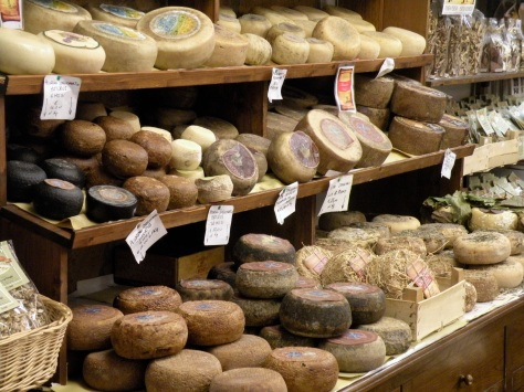 Pecorino_di_Pienza_(selection).jpg